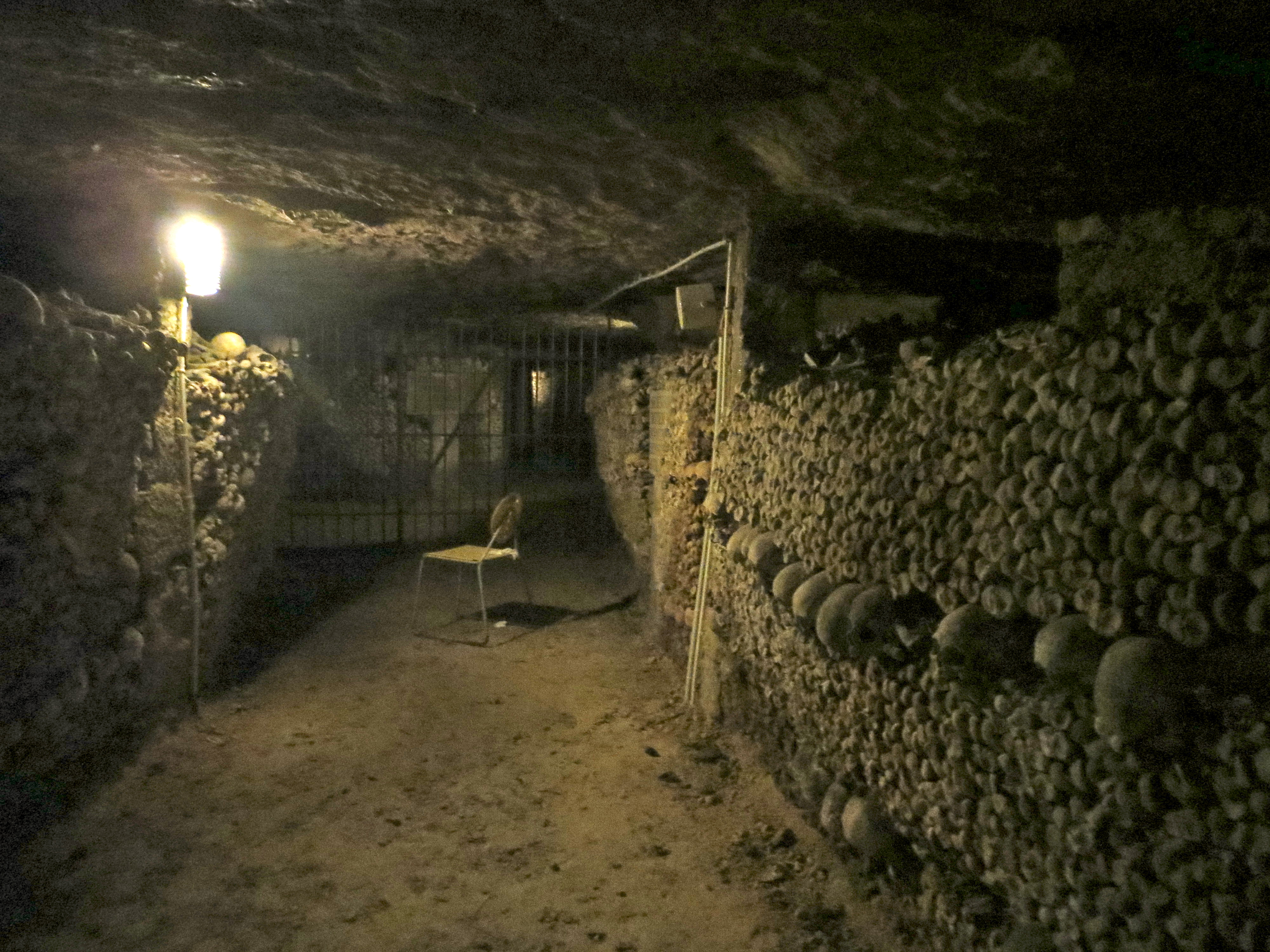 how to get to paris catacombs by metro