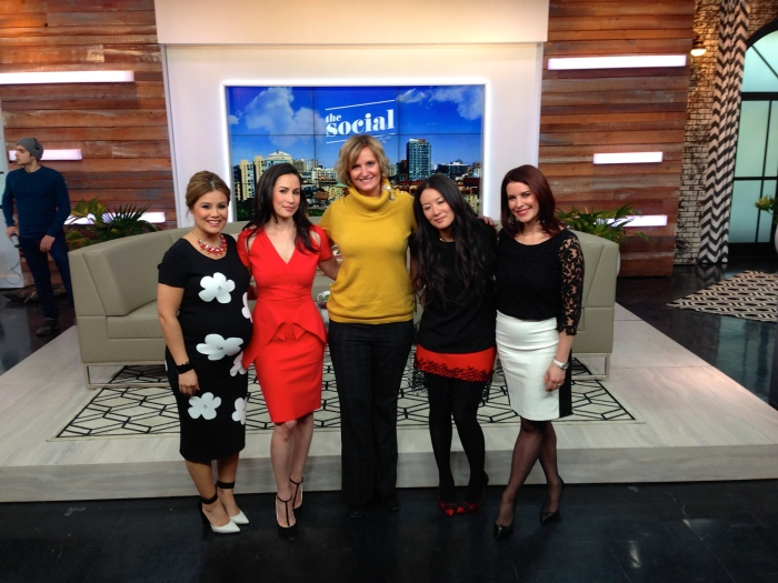 Armando thinks that I look like the host and they are my guests...must be the whole height thing!  Why is everyone so short on TV?  I seem to hover over everyone.